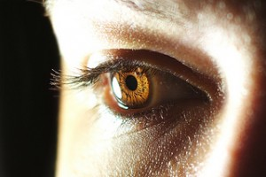 Eyes Exposed!!! How to take pictures of your eyes